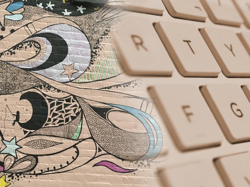 Pintura creativa mezclada con teclado de ordenador